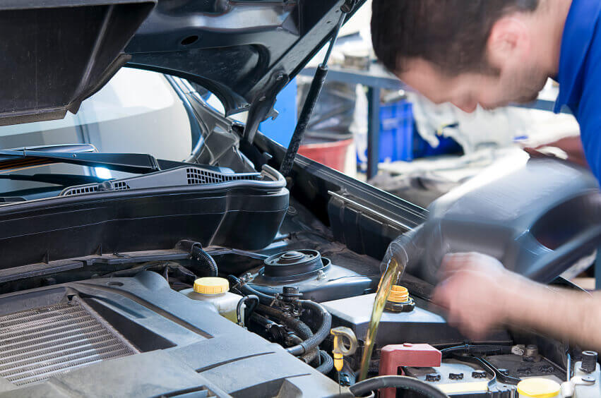 Meineke Oil Change >> Oil Change Near Me Fast Oil Change Services Meineke