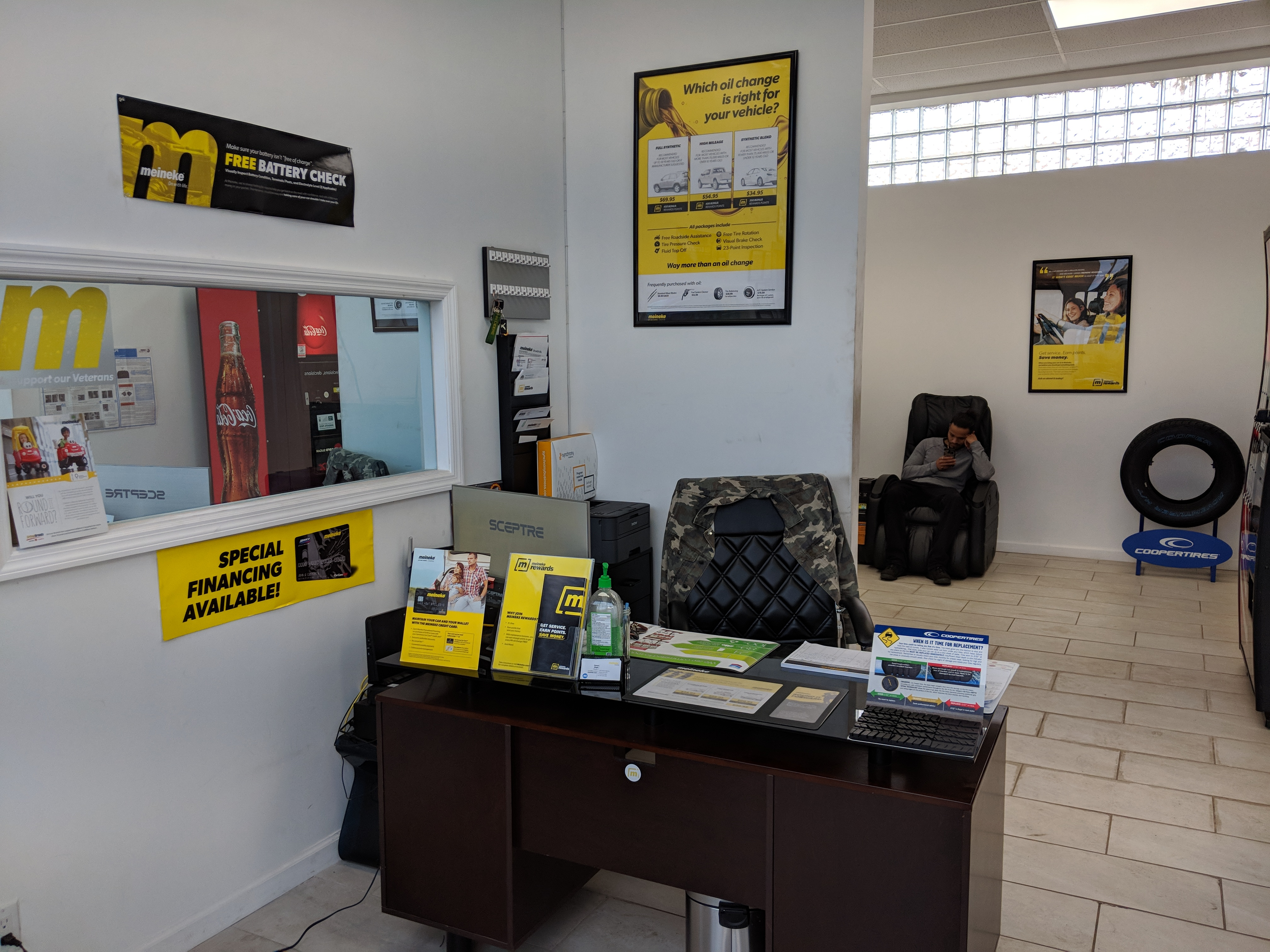 Meineke Car Care Reception Desk